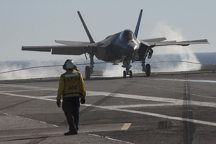 F-35 makes an arrested landing on the USS George Washington